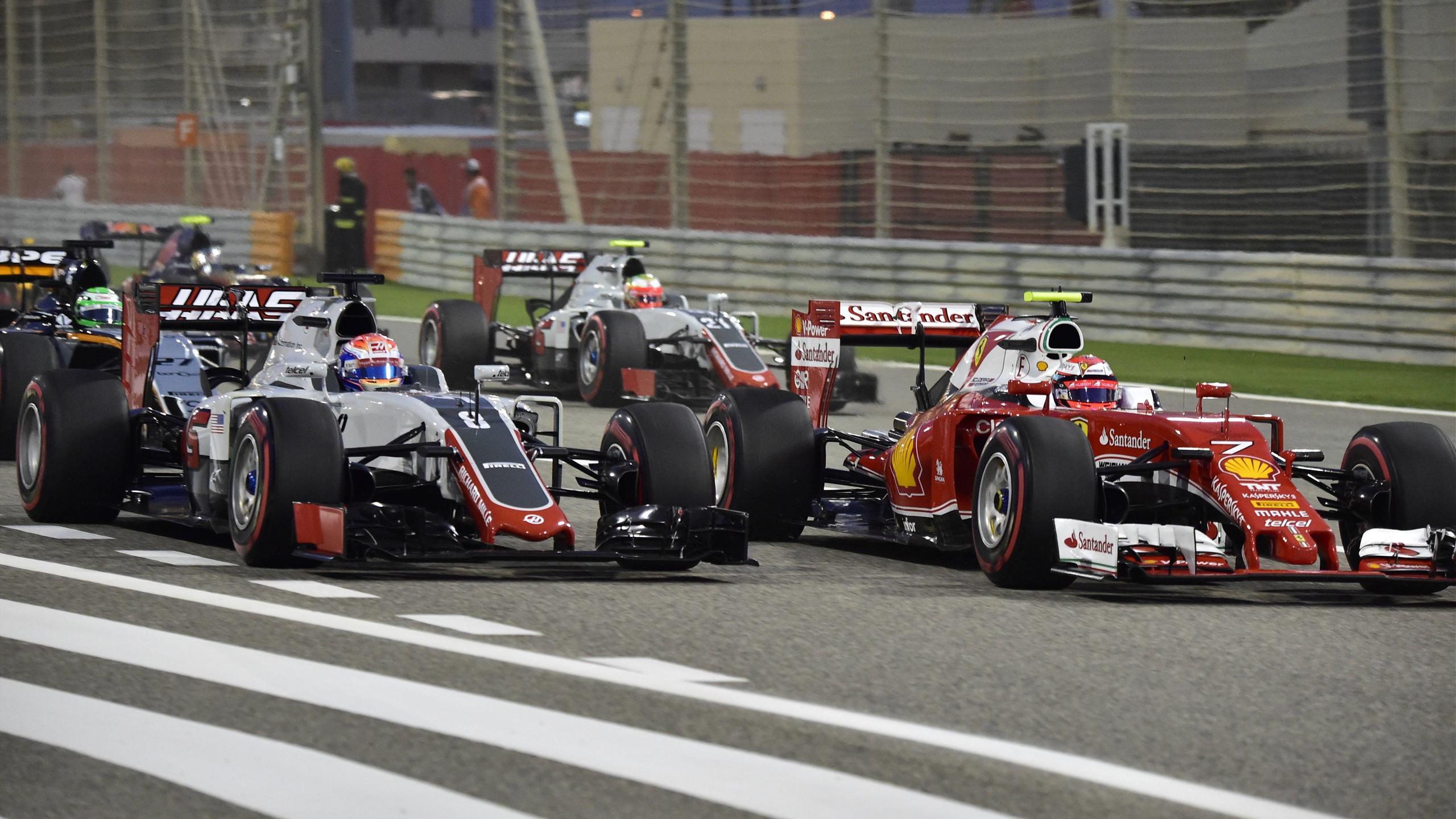 2016, F1, Romain Grosjean (Team Haas), Kimi Raikkonen (Ferrari) - Imago not in UK