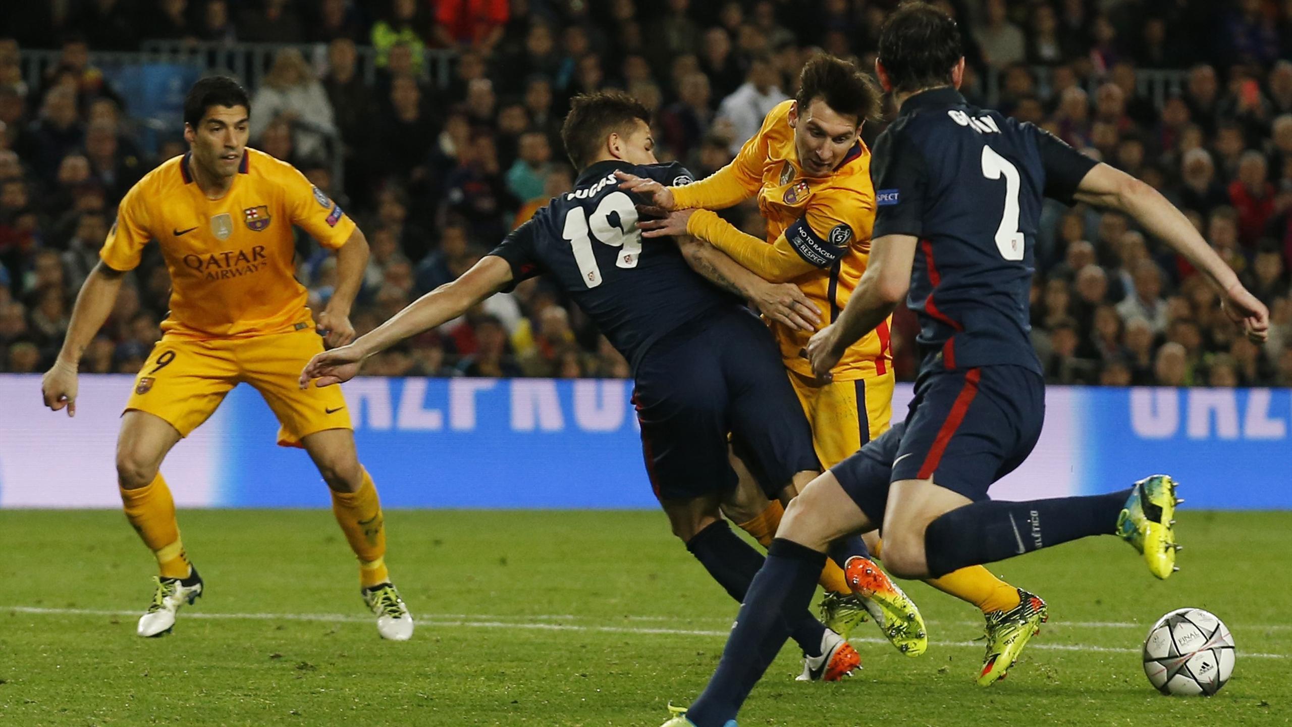 Lionel Messi (Barcelone) pris en tenaille face à l'Atlético en avril 2016