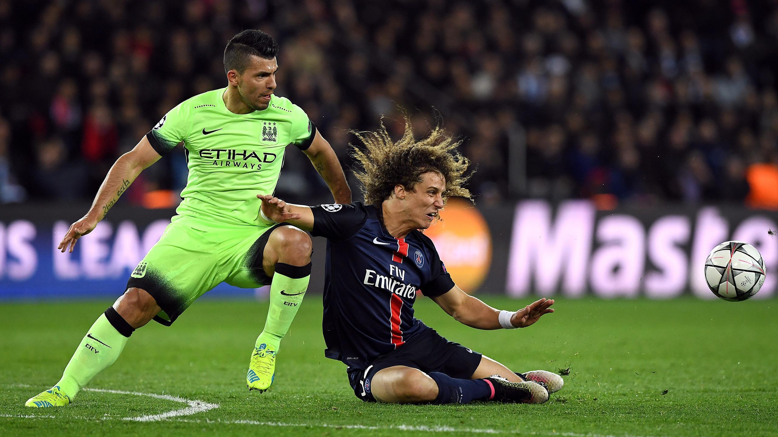 Kun Aguero (Manchester City) au duel face à David Luiz (PSG) en quart de finale de la Ligue des champions 2016