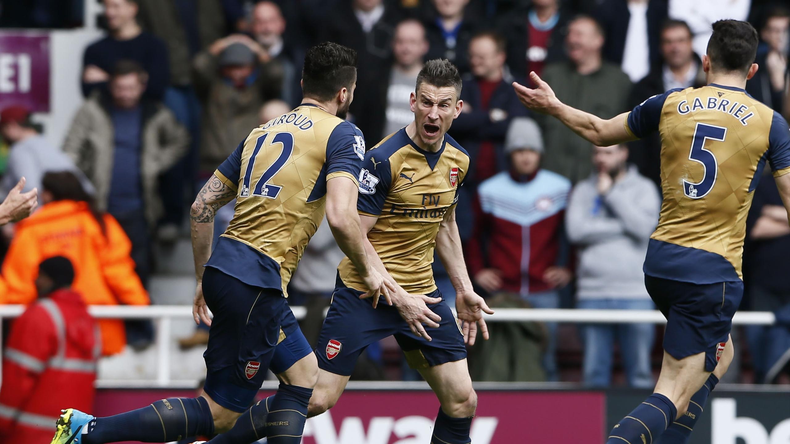 Laurent Koscielny (Arsenal) buteur sur la pelouse de West Ham