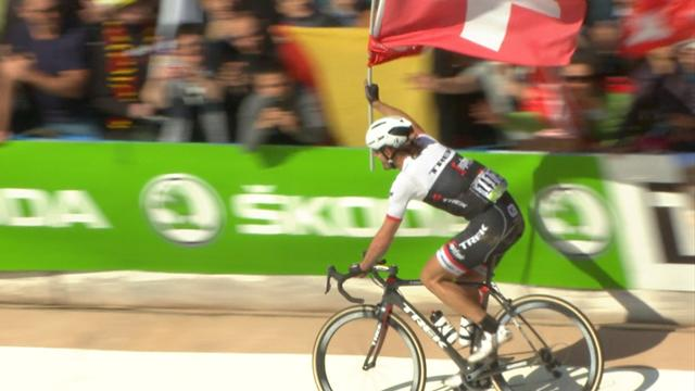 Fabian Cancellara's lap of honour goes horribly wrong