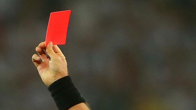 Мексиканский футболист избил судью за красную карточку, и тот скончался в больнице