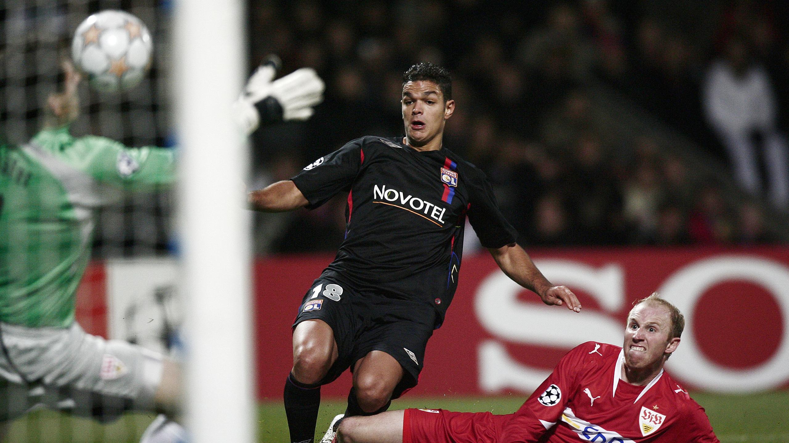 Hatem Ben Arfa avec Lyon en 2007