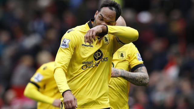 Sunderland sign former Manchester City defender Jolean Lescott
