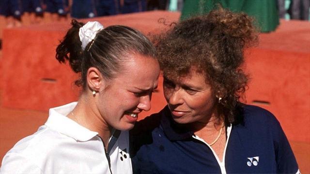 Tennis : Le jour o�... Martina Hingis a fondu en larmes dans les bras de sa m�re
