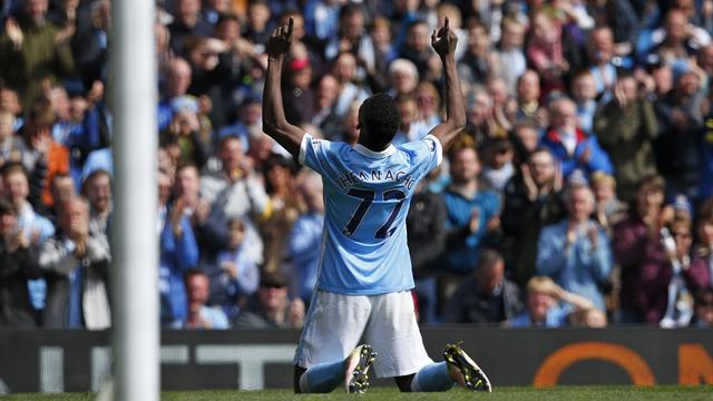Impitoyable face à Stoke, City met la pression sur Arsenal
