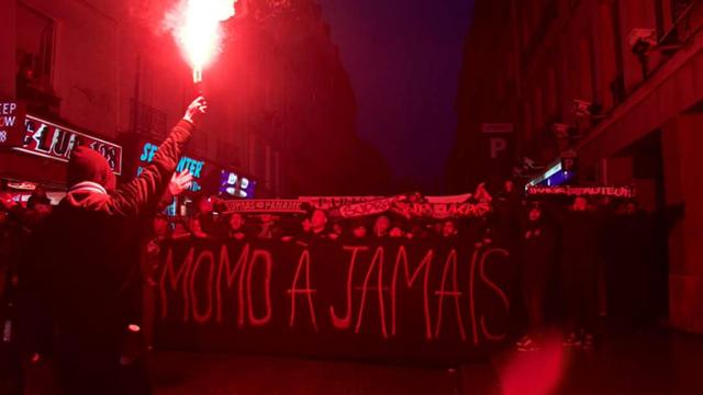 Le bel hommage d'ultras du PSG à Momo