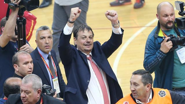 """""""Türk basketboluyla gurur duyuyorum"""""""