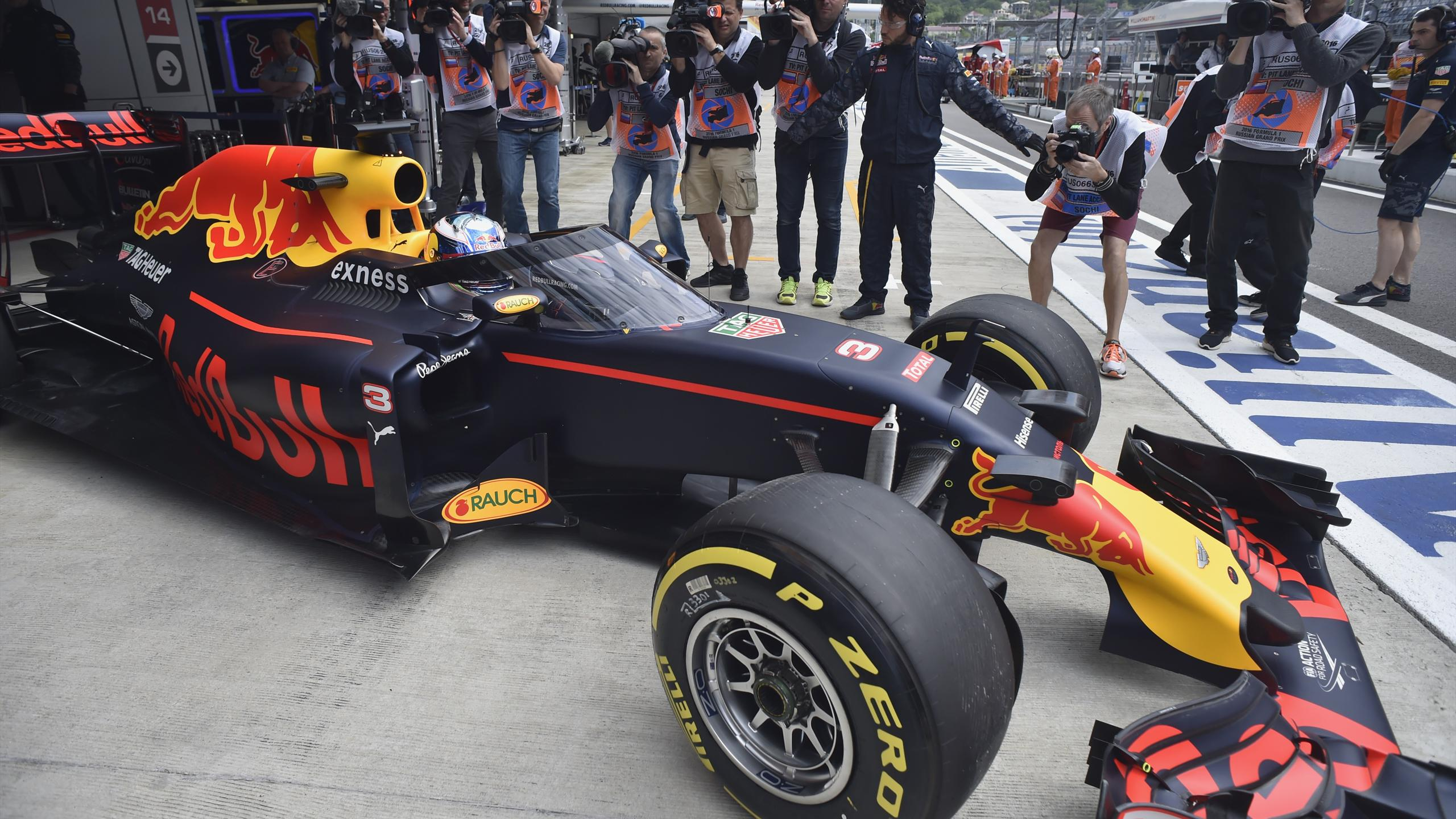 "Daniel Ricciardo und Red Bull testen ""Aeroscreen"""