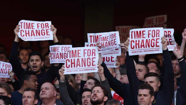 Une partie des supporters d'Arsenal réclame la tête de Wenger