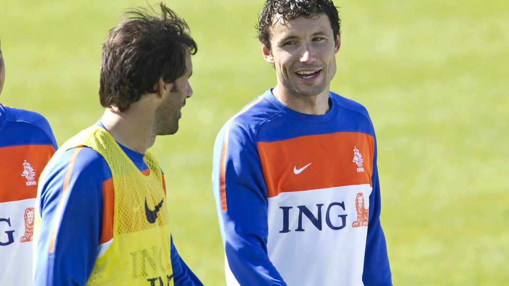 Fussball Trainerschein Fur Van Bommel Und Van Nistelrooy
