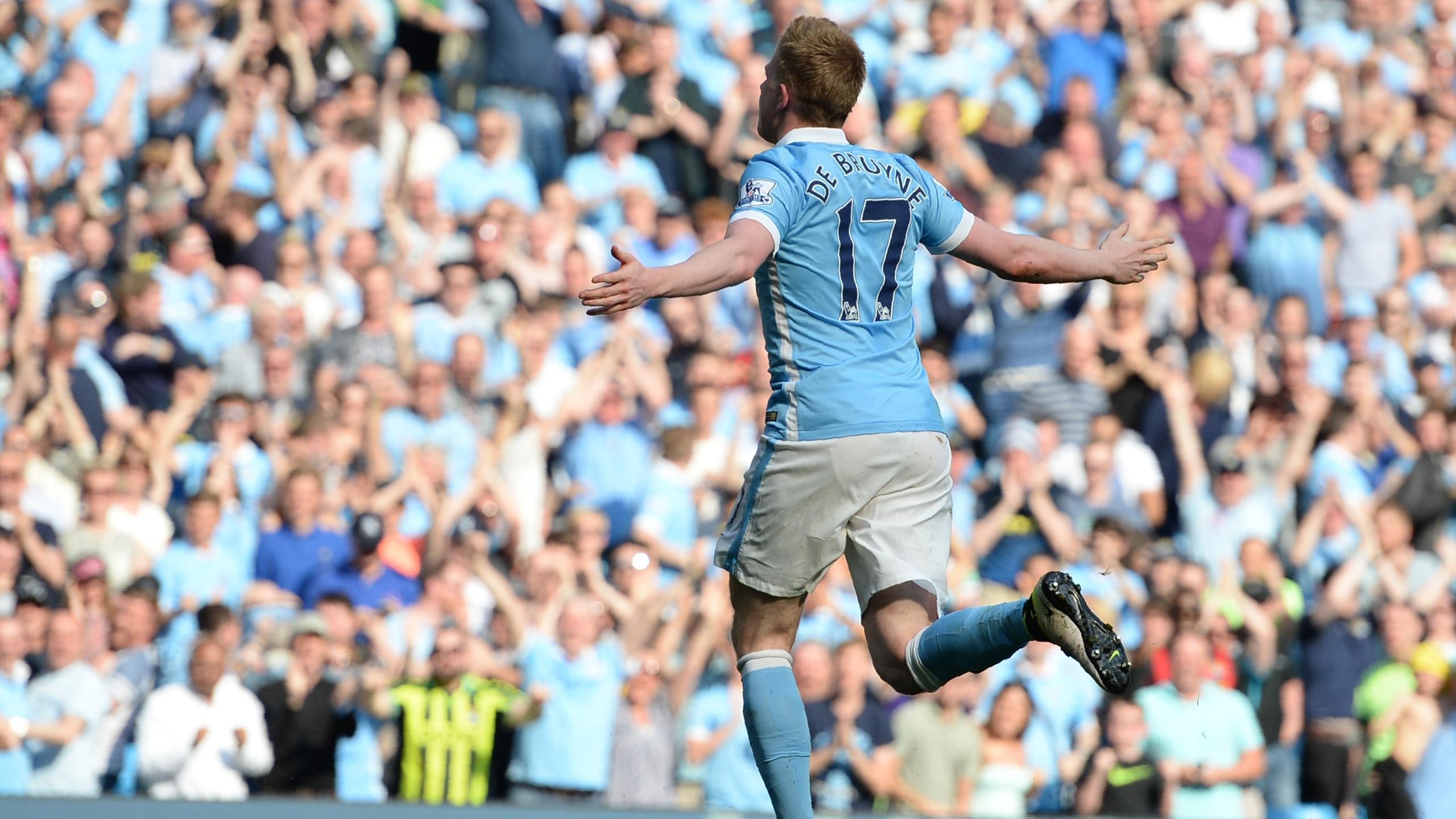 Manchester City's Belgian midfielder Kevin De Bruyne celebrates after scoring