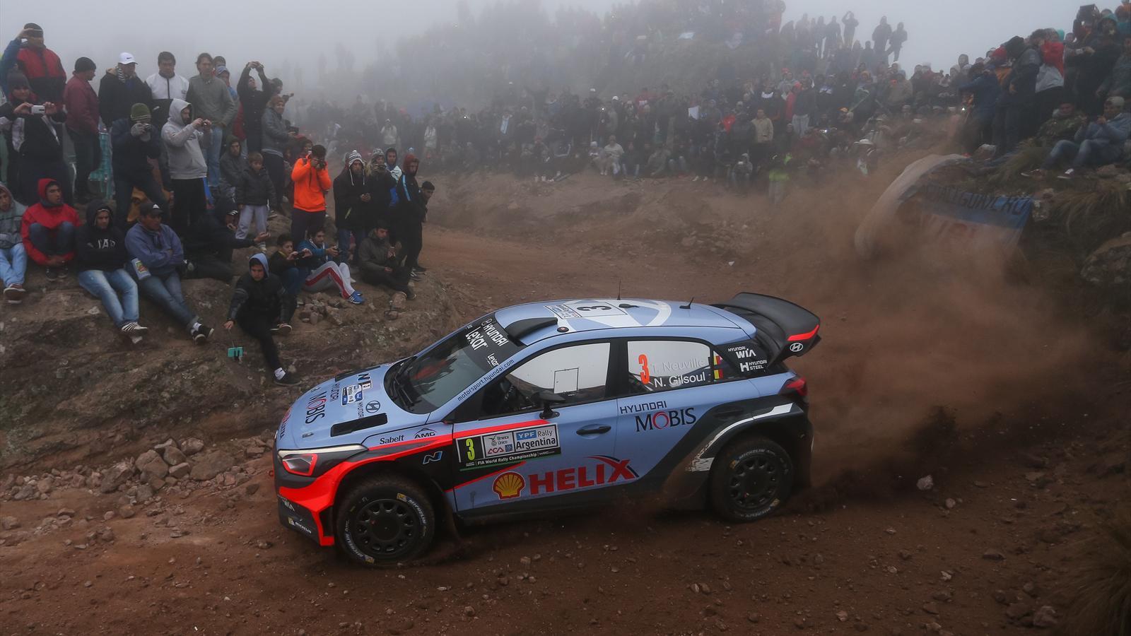 thierry neuville hyundai remporte le rallye d italie s 233 bastien ogier volkswagen 3e rallye