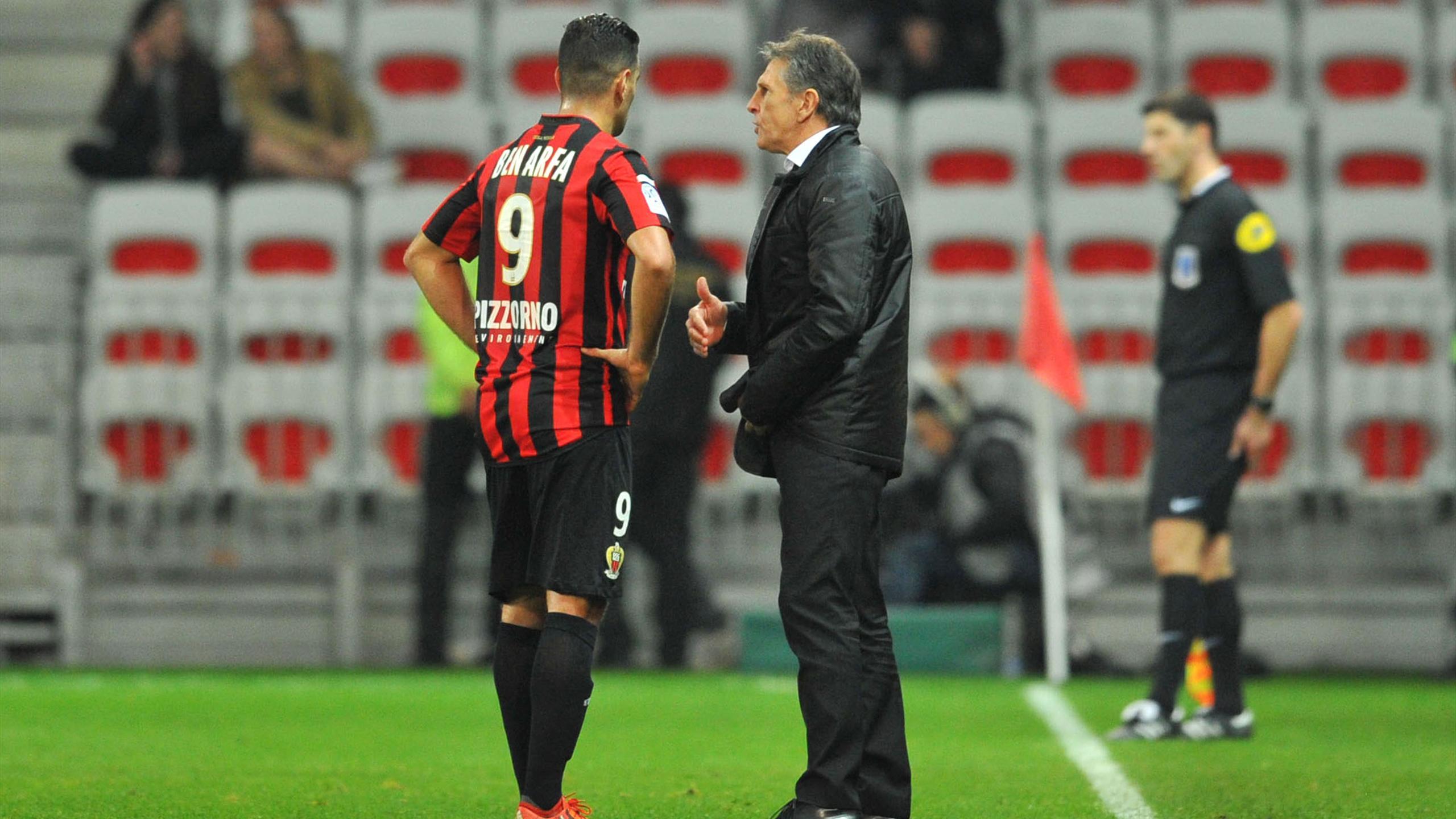 Hatem Ben Arfa en discussions avec Claude Puel