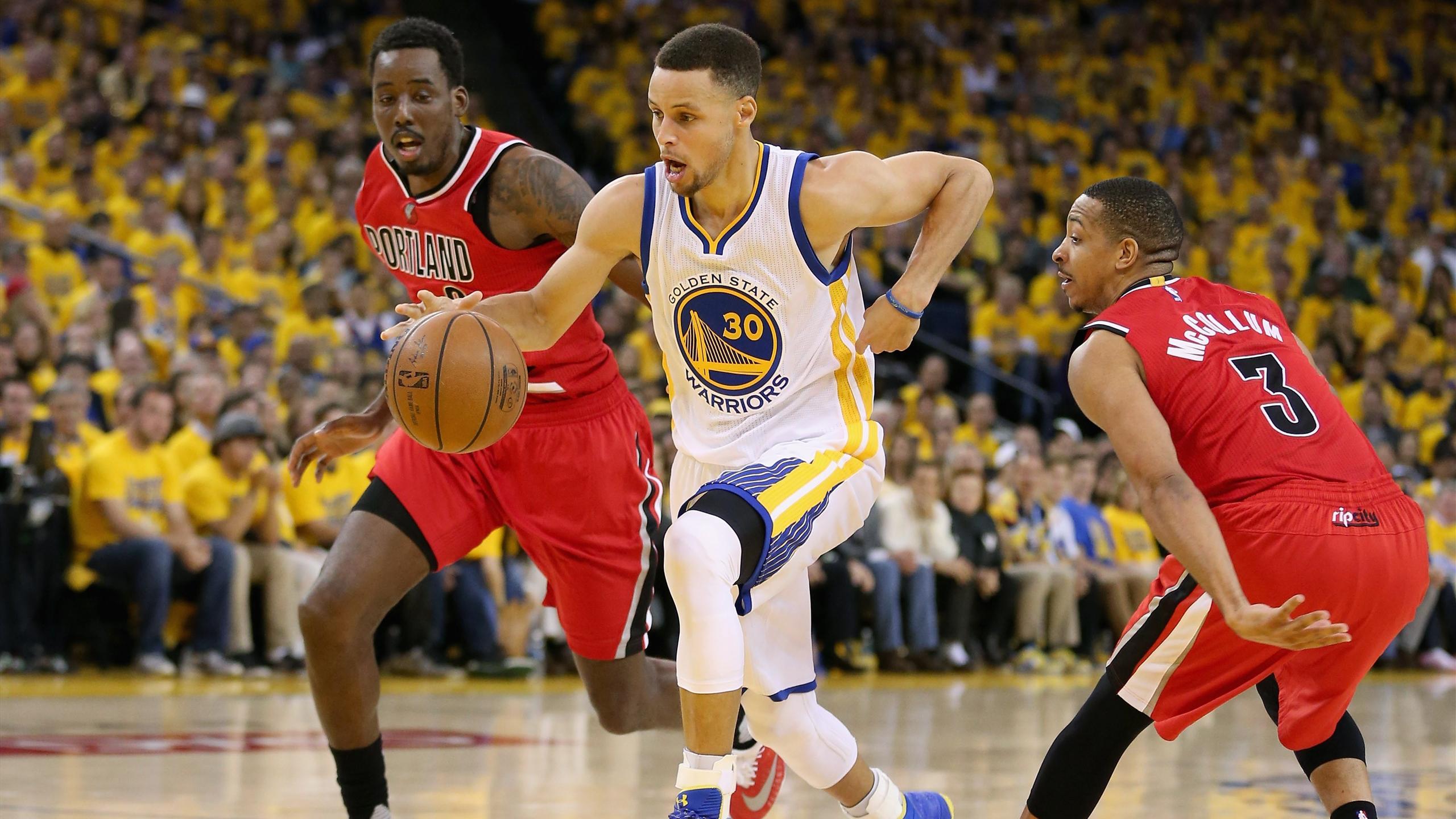 Stephen Curry lors de la victoire des Warriors sur Portland