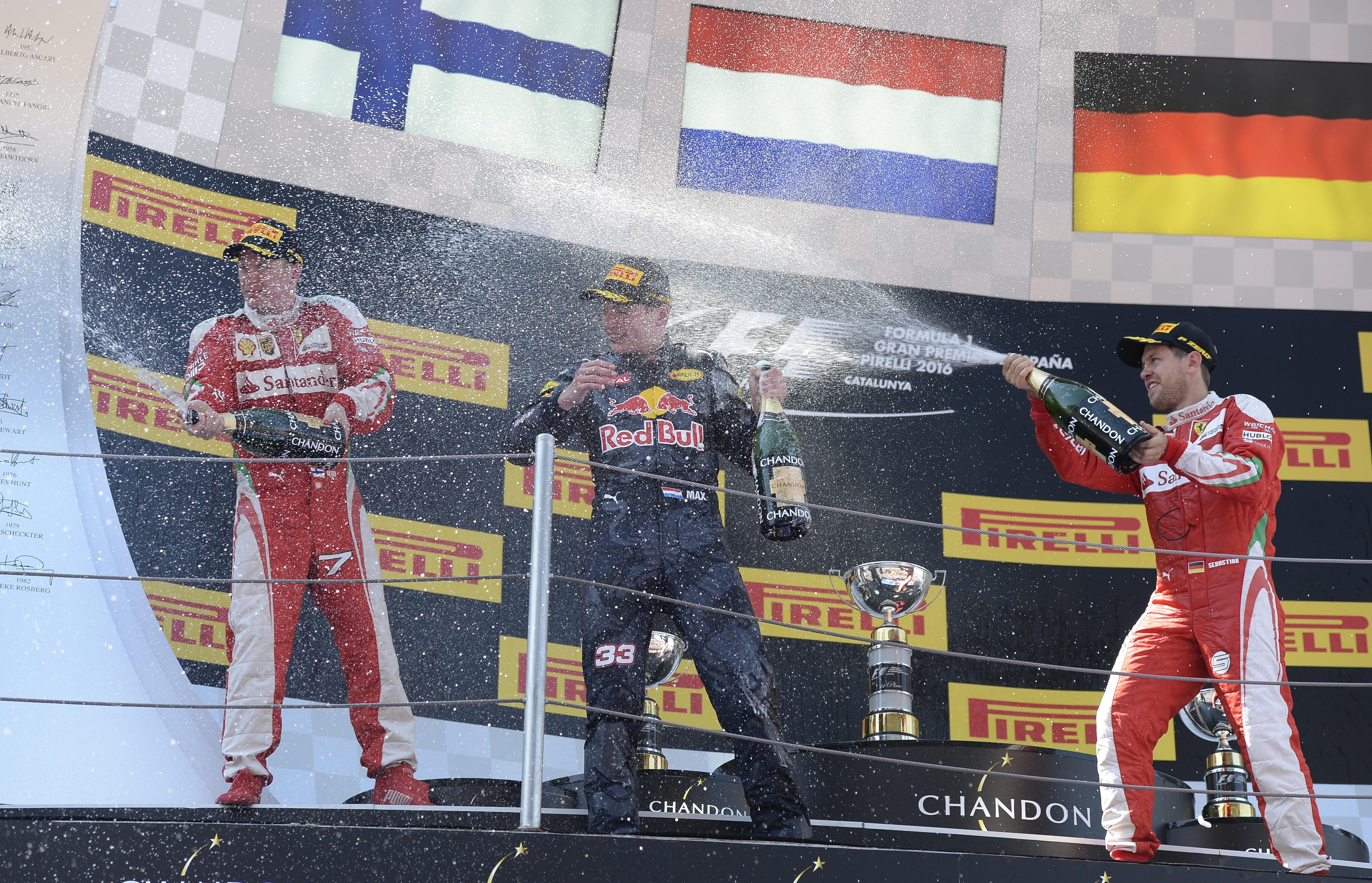 Kimi Räikkönen (Ferrari), Max Verstappen (Red Bull) et Sebastian Vettel (Ferrari) au Grand Prix d'Espagne 2016