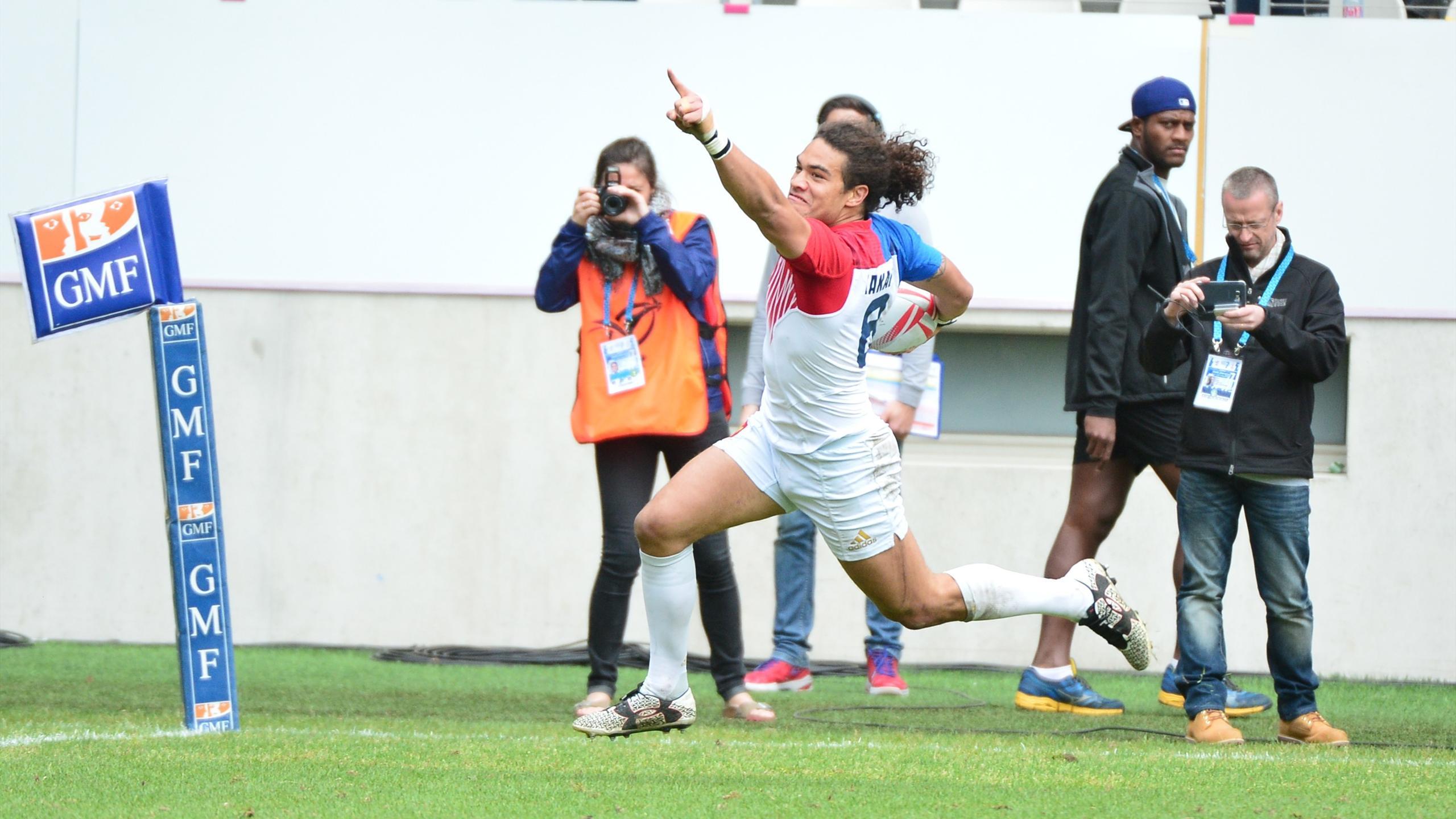 Pierre-Gilles Lakafia (France 7) exulte avant de marquer son essai contre le Kenya en quart de finale du tournoi de Paris - 15 mai 2016