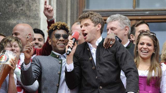 En tenue traditionnelle, les joueurs du Bayern ont fêté leur titre comme il se doit