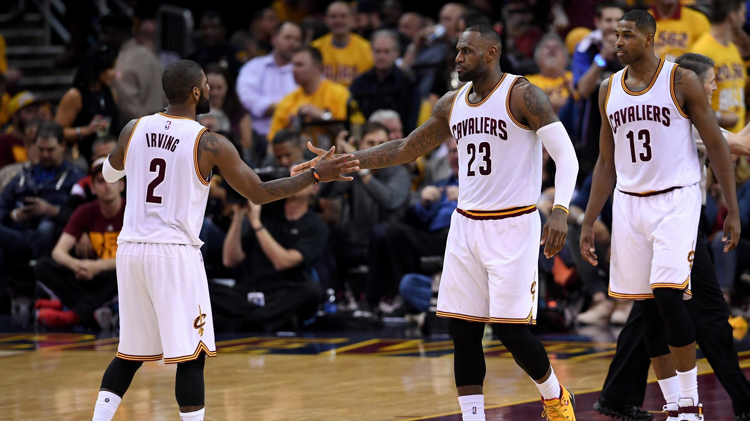 Kyrie Irving et LeBron James avec les Cleveland Cavaliers - 2016