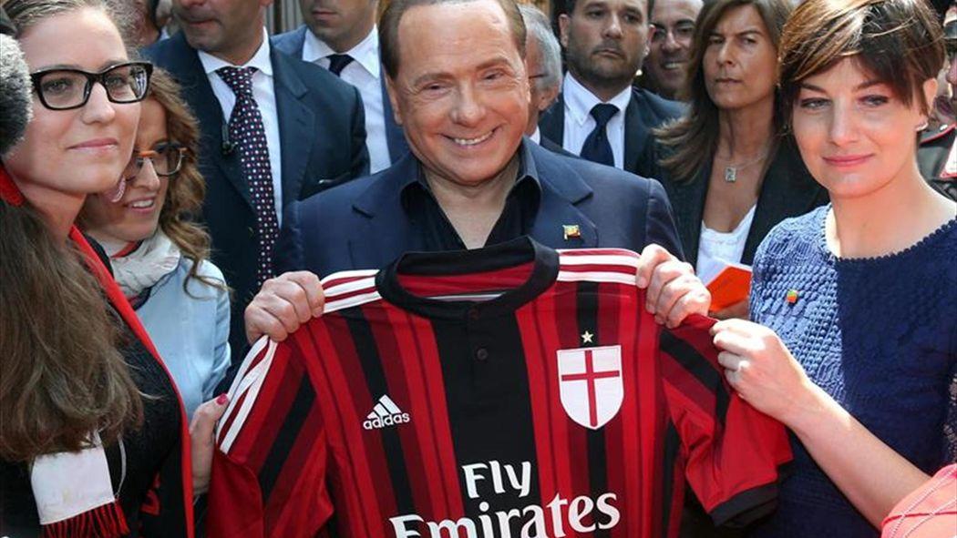 Difunden reprimenda de Berlusconi a sus jugadores: \