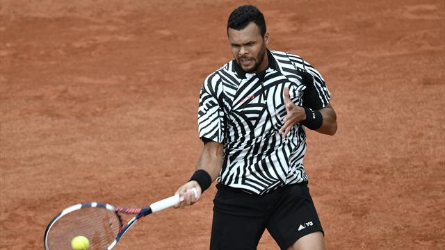 Tsonga breezes into second round with win over Struff
