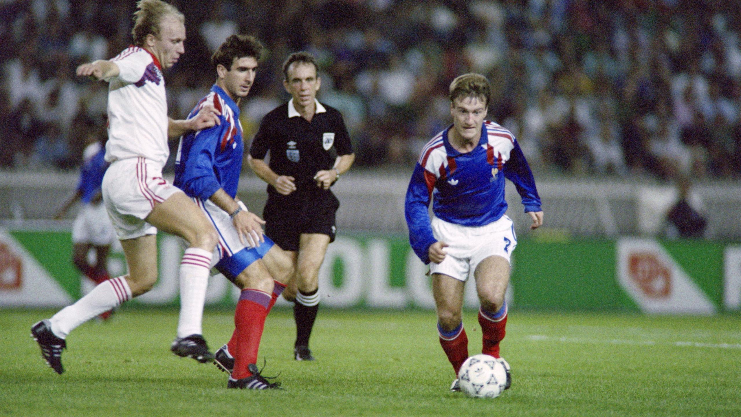 Eric Cantona et Didier Deschamps sous le maillot des Bleus en 1993