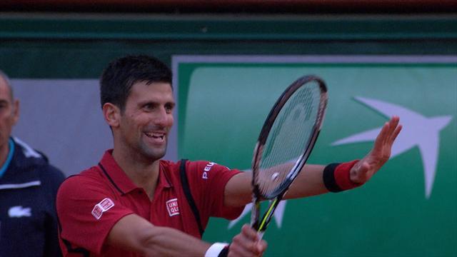 Quand Djokovic supplie l'arbitre de ne pas descendre de sa chaise pour ne pas perdre de temps