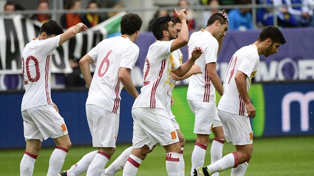 España-Bosnia: Nolito aporrea la puerta (3-1)