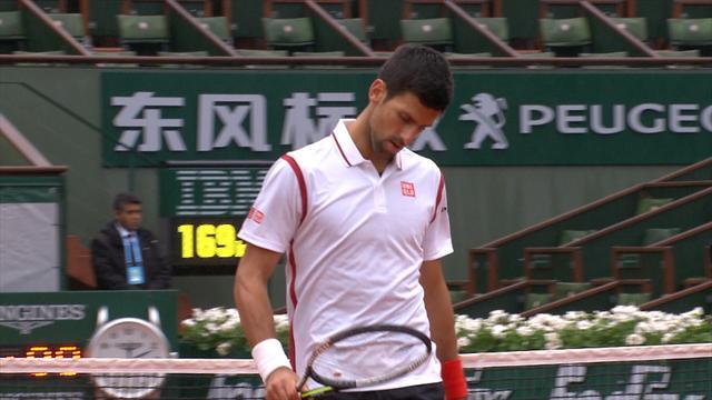 Un set de retard avant la pluie : Djokovic a vécu un début compliqué contre Bautista Agut