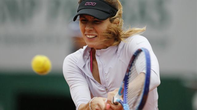 Pironkova shocks Radwanska at Roland Garros