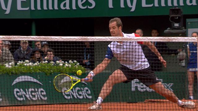 Tennis : Un r�flexe extraordinaire (et un soup�on de chance) ont lanc� Gasquet vers le premier set