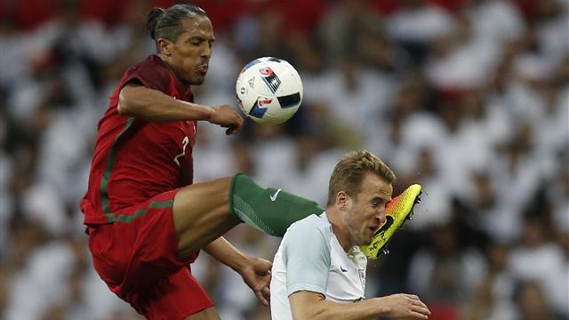 Bruno Alves voulait le ballon, il a eu la tête de Kane : son vilain coup de pied en vidéo