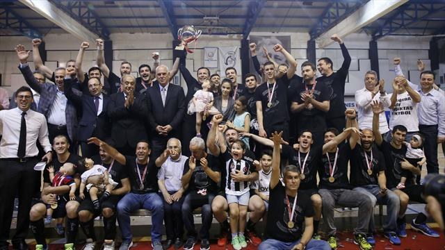 Hentbolda Beşiktaş klasiği