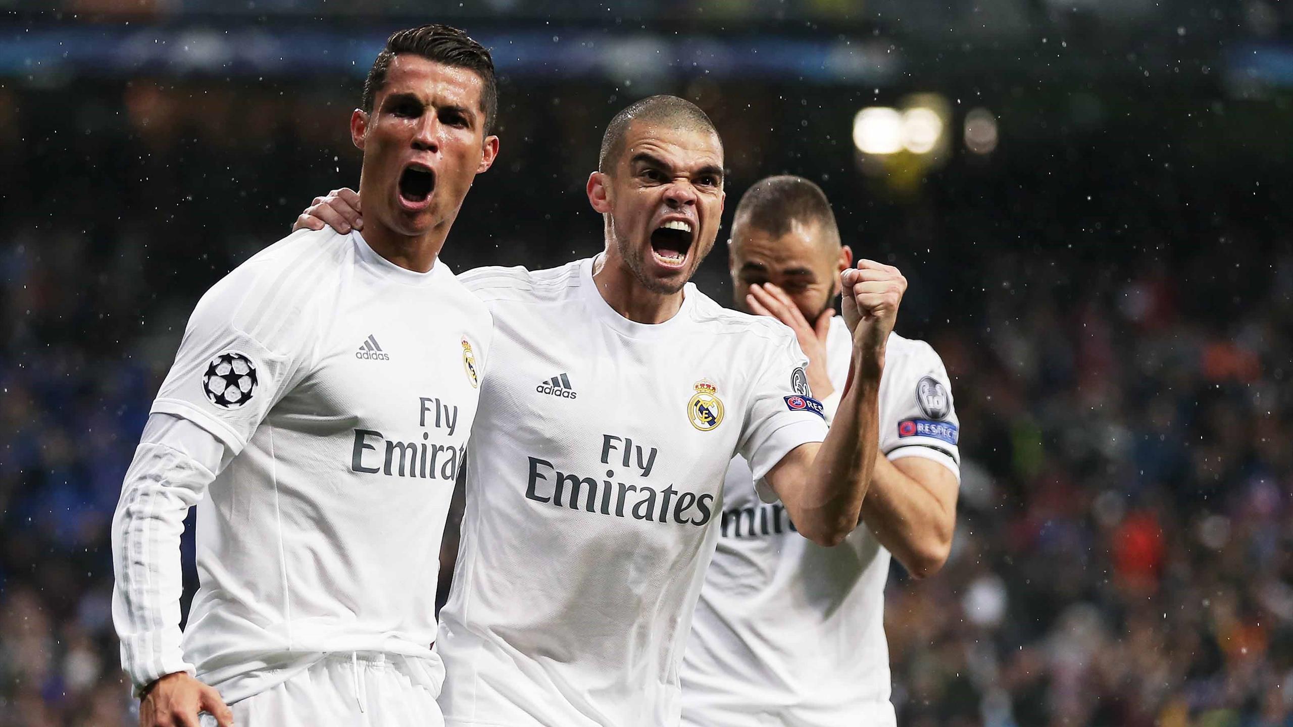 Cristiano Ronaldo, Pepe and Karim Benzema célébrant un but avec le Real Madrid