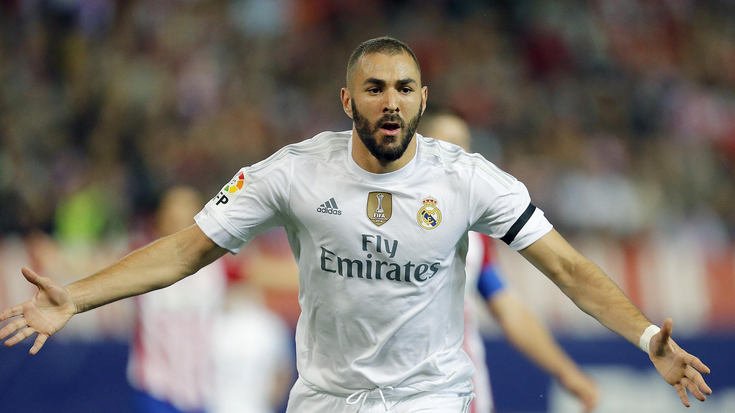 Karim Benzema célébrant un but avec le Real Madrid