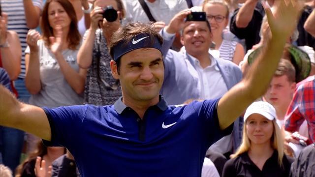 Federer tarihi galibiyetle döndü