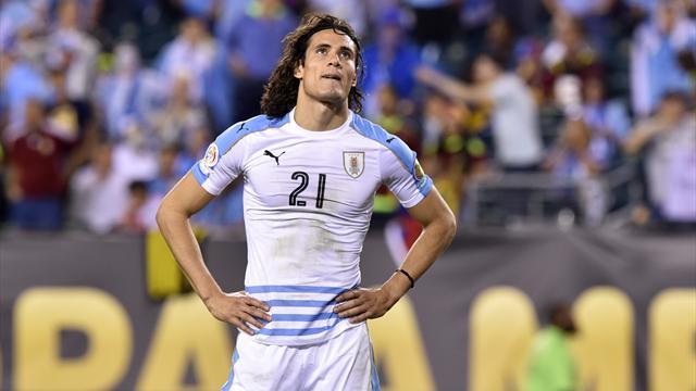Uruguay-Venezuela: Eliminados y esperpento de Luis Suárez (0-1)