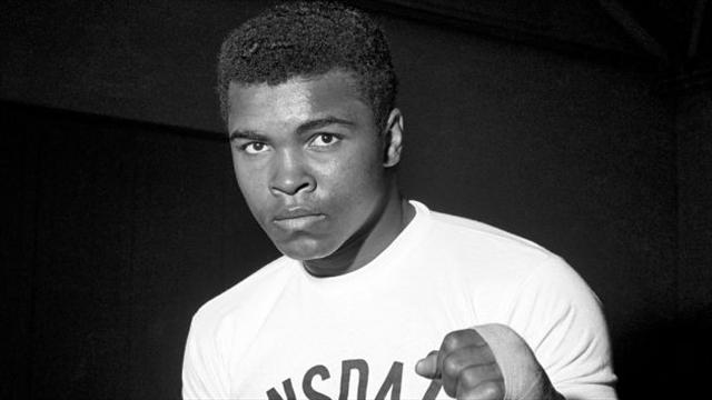 """LeBron dona 2,5 milioni alla mostra su Ali: """"Lui è il campione per eccellenza"""""""