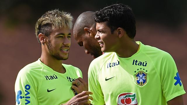 """Neymar sous le maillot du PSG ? Thiago Silva """"like"""" ça"""