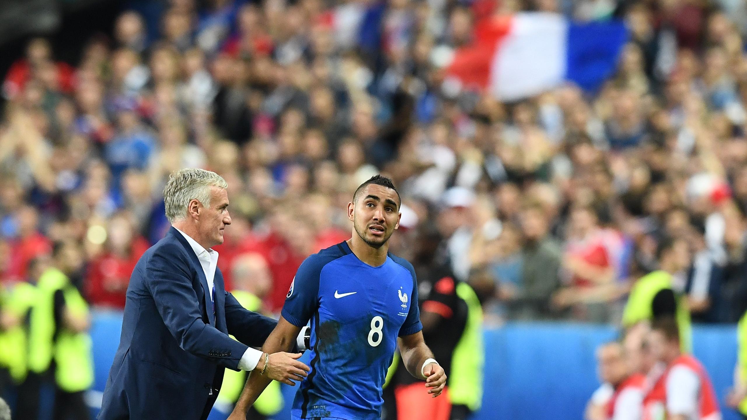 Didier Deschamps et Dimitri Payet lors de France-Roumanie