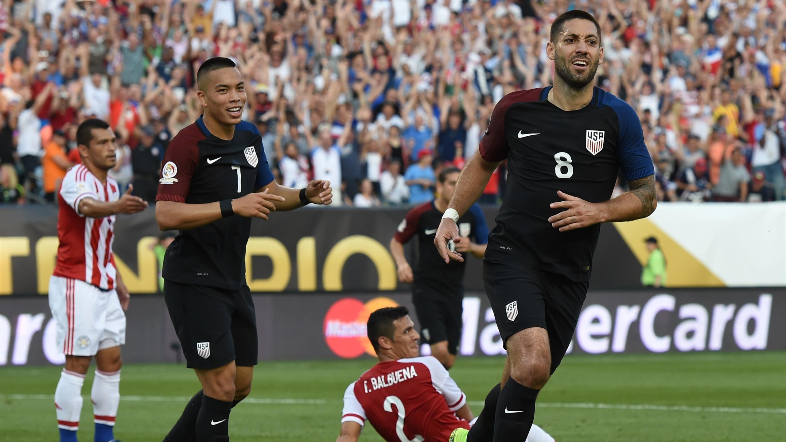 Clint Dempsey (Etats-Unis) célèbre son but contre le Paraguay