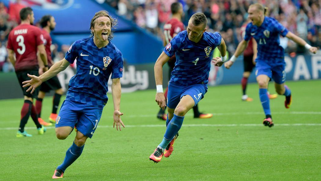 ผลการค้นหารูปภาพสำหรับ modric croatia euro 2016