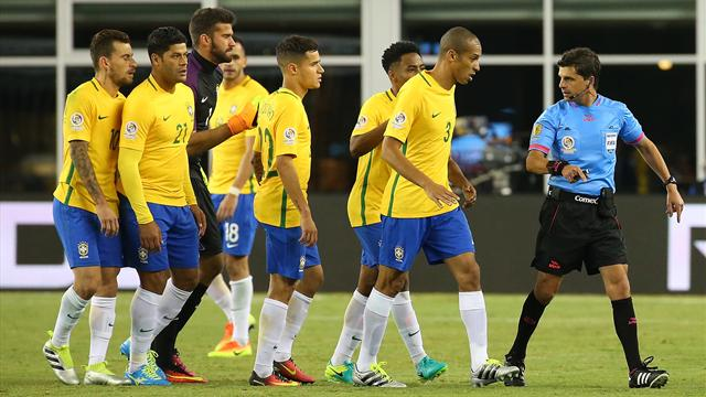 Le Brésil prend la porte dès la phase de poules