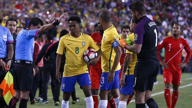 Brasil-Perú: Escandalosa eliminación de la canarinha (0-1)