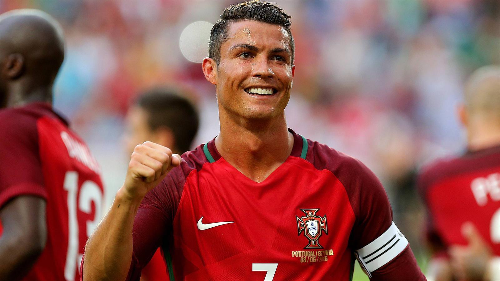 Em 2016 Cristiano Ronaldo Startet Mit Portugal Die Jagd Auf Den