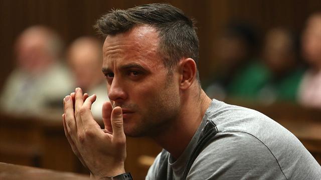 Peine alourdie pour Pistorius, condamné à 13 ans et 5 mois de prison