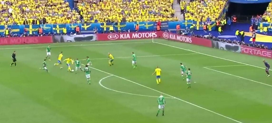 Il gol della Svezia contro l'Irlanda