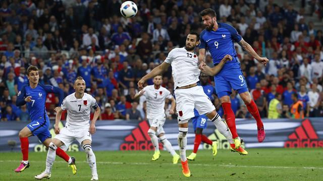 Giroud a cru débloquer la situation, mais le poteau en a décidé autrement