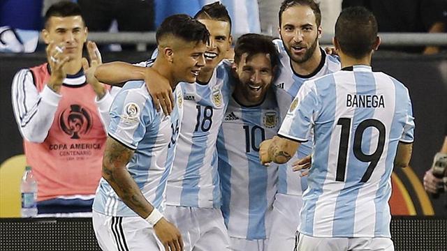 Аргентинцы обыграли венесуэльцев ивстретятся скомандой США вполуфинале Кубка Америки