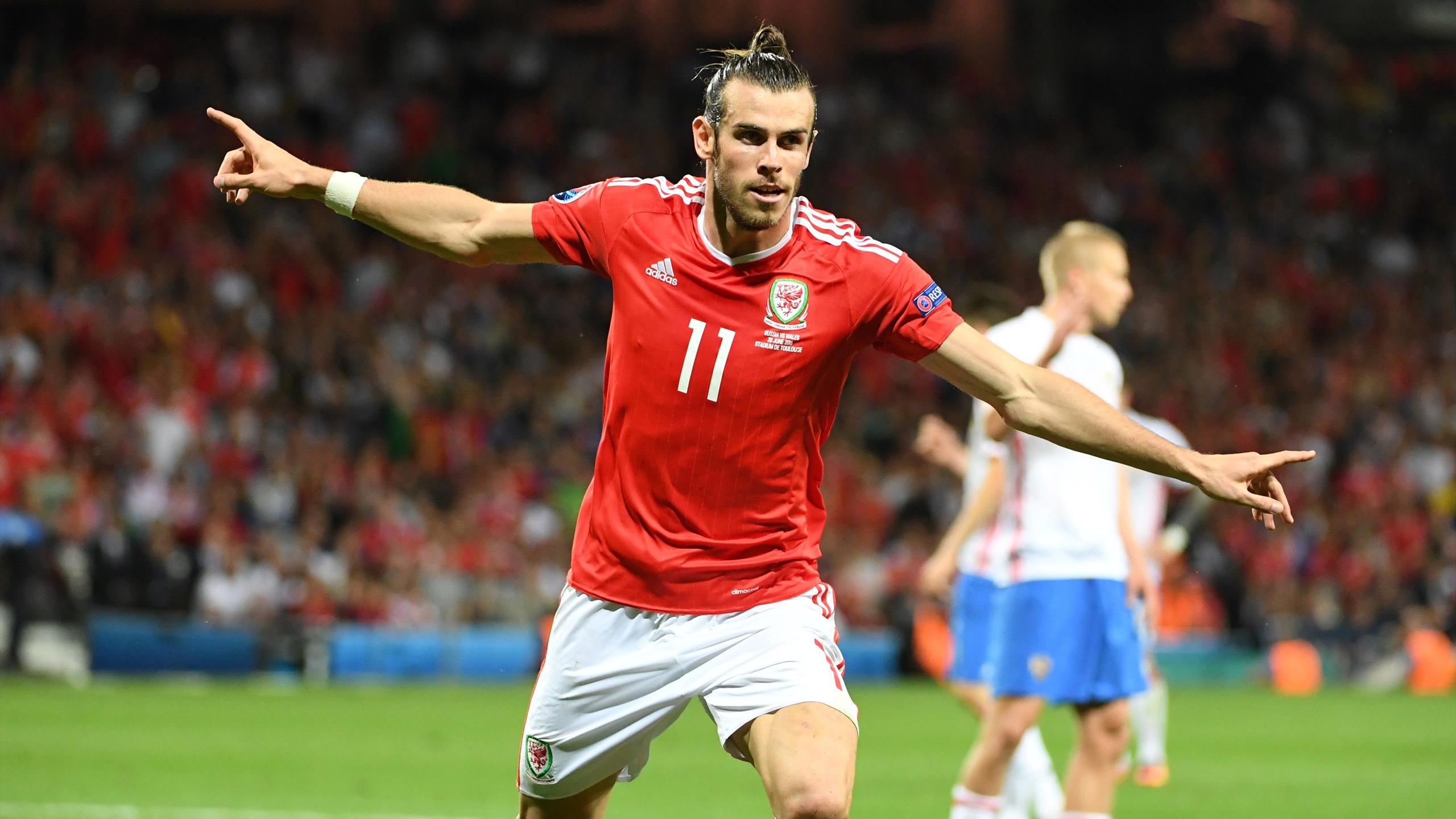 Gareth Bale - Russia v Wales - Euro 2016